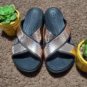Iconic Crocs Comfort Sandals Rose Gold